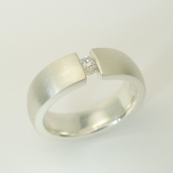 Ring 925er Sterlingsilber matt mit Diamant 0,09ct TW-vsi...