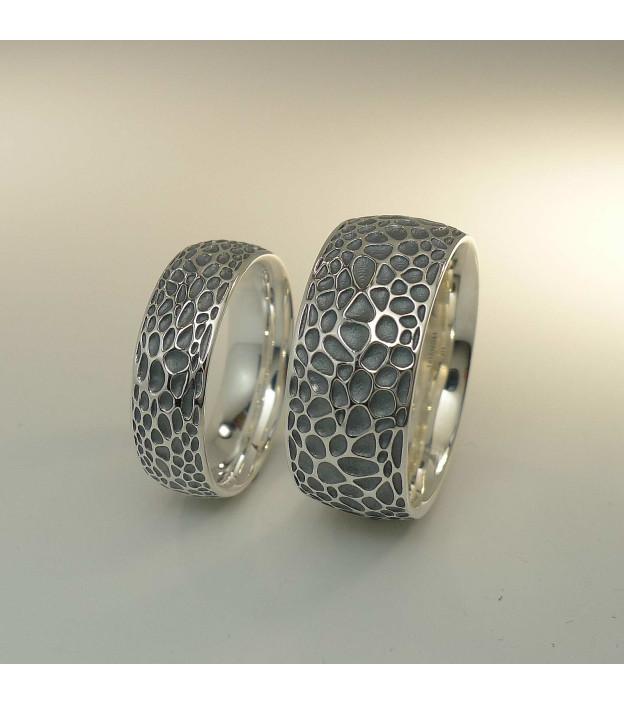 Triangel Ring Voronoi 925 Sterling-Silber oxidiert