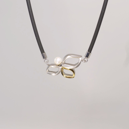 Boccia bicolor Collier Titan teil-goldplattiert mit Perle 08006-02