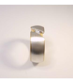 Ring aus 925 Sterling-Silber und 750 Gelbgold mit 0,17 ct Brillant / Diamant, Weite 55