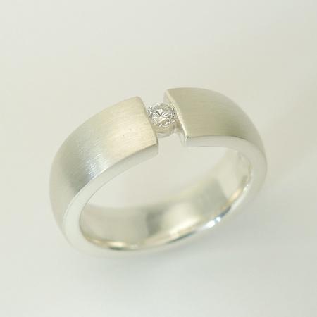Ring 925er Sterlingsilber matt mit Diamant 0,09ct TW-vsi Weite 53