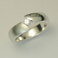 Ring aus Sterling-Silber mit 0,10ct Brillant / Diamant,...