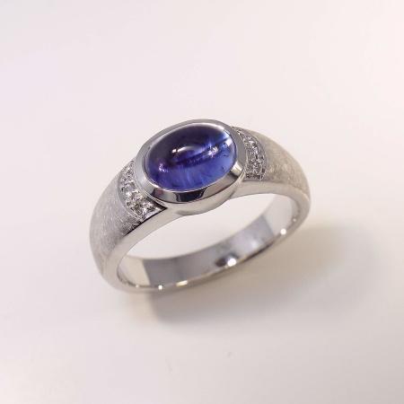Ring 585 Weißgold mit Tansanit und 6 Diamanten