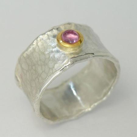 Handgeschmiedeter Ring bicolor Silber mit Gold und rosa / blauemTurmalin oder grünem Granat