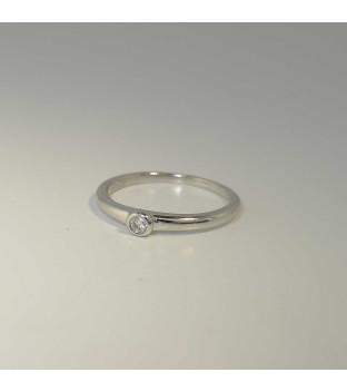 Solitär Ring 750 Weißgold mit Brillant 0,05 ct Tw-si in Zargenfassung - Ringweite 53