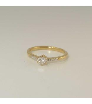 Verlobungsring 585 Gelbgold mit 6er Krappenfassung und seitlichem Besatz - Weite 53