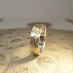 Mokume-Gane-Ring tricolor 750 Grüngold, 500...