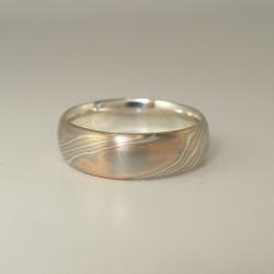 Mokume-Gane-Ring tricolor aus 585 Rotgold, 500 Palladium...