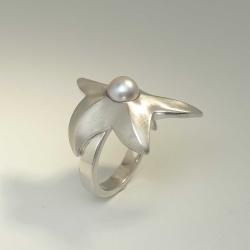Seestern-Ring aus rhodiniertem 925-Silber mit grauer...